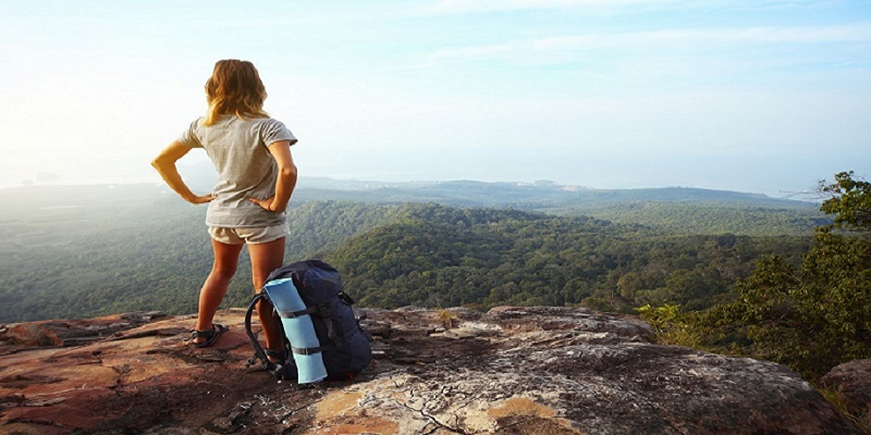 girl-backpacking